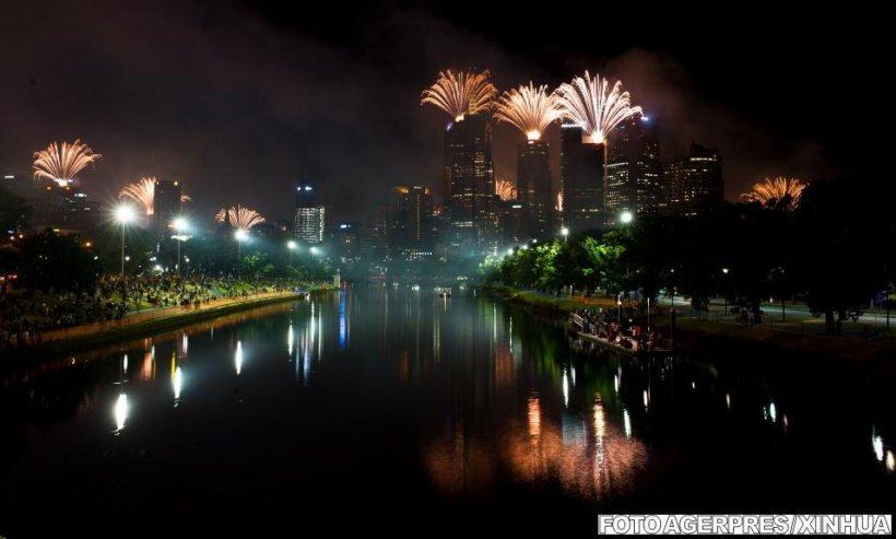 2013, întâmpinat cu focuri de artificii în lumea întreagă