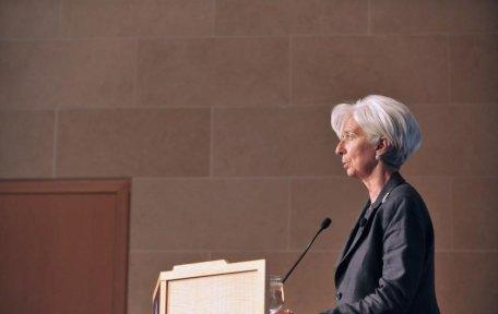 FMI avertizează: Problemele din SUA şi Europa vor duce la o criză mondială majoră