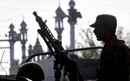 Pakistan şi India, pe muchie de cuţit. Un militar pakistanez a fost ucis într-un schimb de focuri în provincia Kashmir