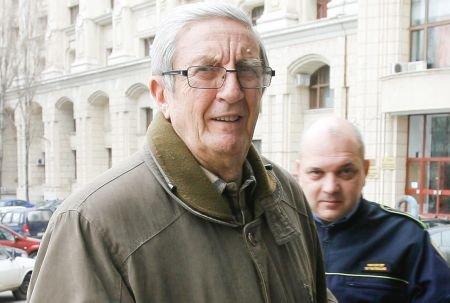 Victor Atanasie Stănculescu rămâne în închisoare