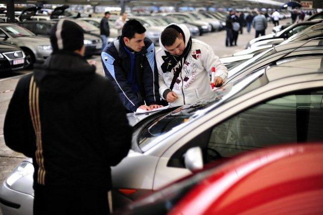 Ce se întâmplă cu TAXA AUTO. Premierul le-a spus asta tuturor şoferilor din România