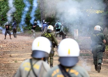 Grecia. Sute de manifestanţi au protestat faţă de un proiect minier canadian de exploatare a aurului