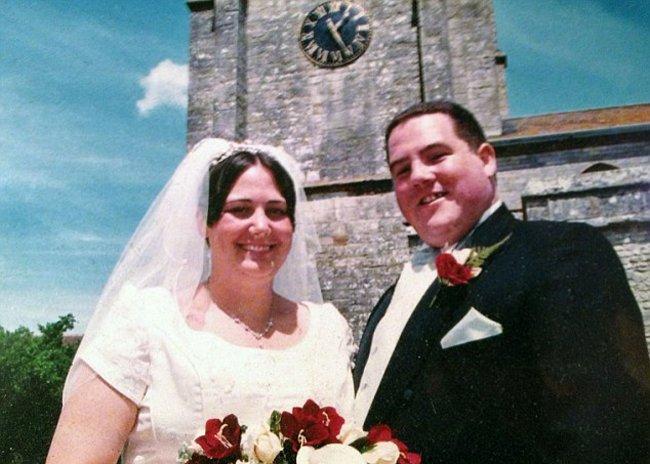 Umiliţi de fotografiile de la nuntă, doi obezi din Anglia au slăbit şi se recăsătoresc