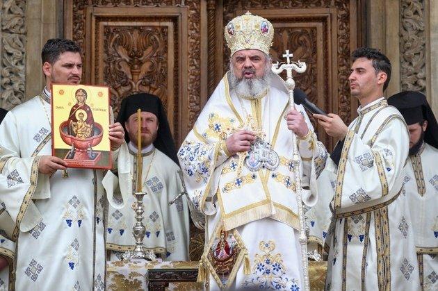 """""""Război"""" între biserici pornit de la INCINERAREA lui Sergiu Nicolaescu. Care este poziţia BOR şi ce au declarat oficial"""