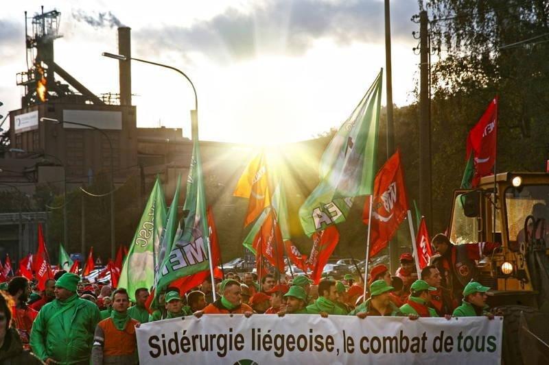 ArcelorMittal închide şase unităţi de producţie din Belgia. 1.300 de angajaţi vor fi concediaţi