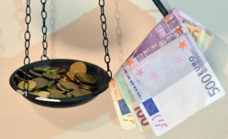 Leul creşte în raport cu euro, dar scade comparativ cu dolarul. Vezi cursul BNR