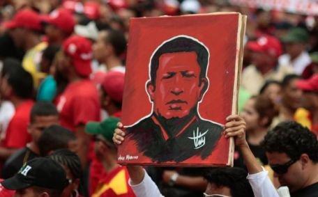 Hugo Chavez a depăşit infecţia respiratorie şi va reveni la Caracas în câteva săptămâni