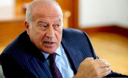 Dan Voiculescu, propunere către Băsescu: Nu ar fi el dispus să renunţe la imunitate în favoarea Justiţiei, dacă pentru el Justiţia e atât de importantă?