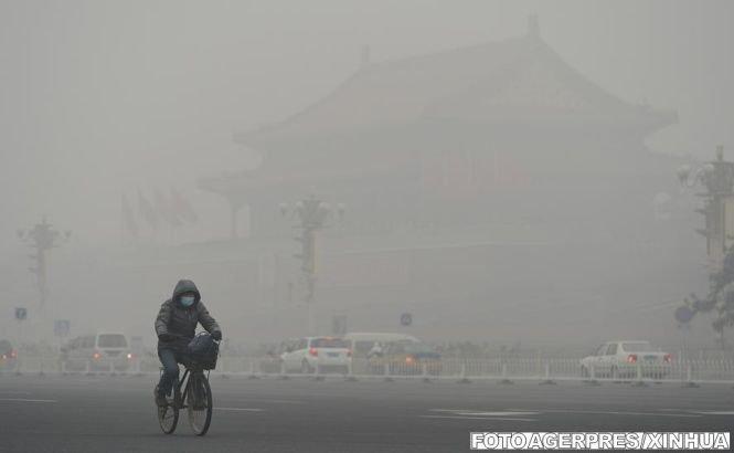 Beijingul, acoperit din nou de un smog toxic
