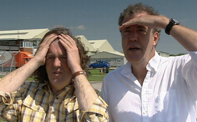 """Dacia Sandero, ironizată la Top Gear. """"A intrat în Marea Britanie ca o furtună!"""""""