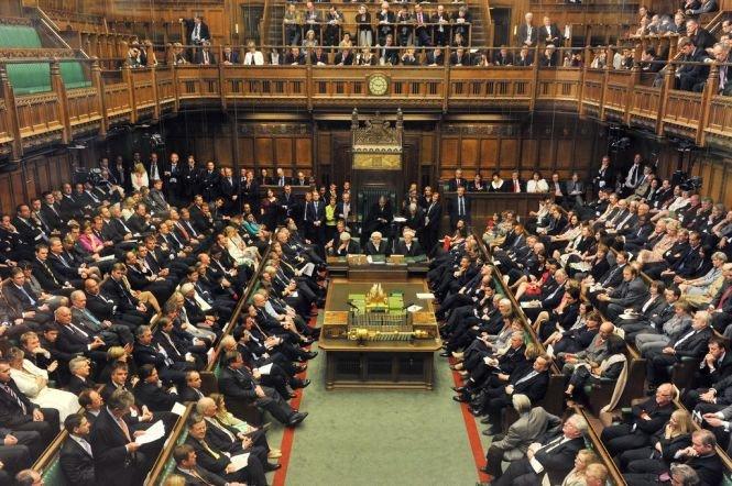 Liberal-democraţii britanici îi susţin pe români şi bulgari: Îi aşteptăm pe cei mai buni şi cei mai deştepţi în Marea Britanie