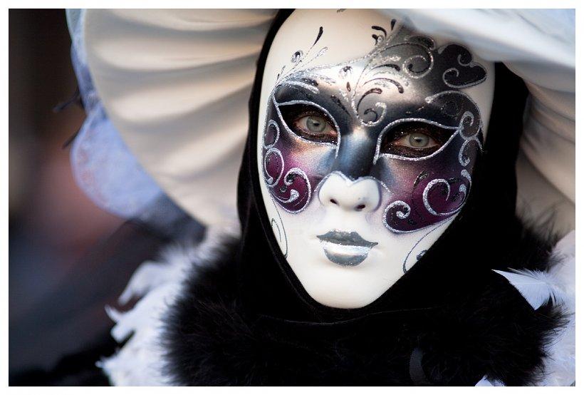 """70.000 de oameni au văzut """"Zborul Îngerului"""". A început Carnavalul de la Veneţia. Tema din acest an este """"Viaţa în Culori"""""""