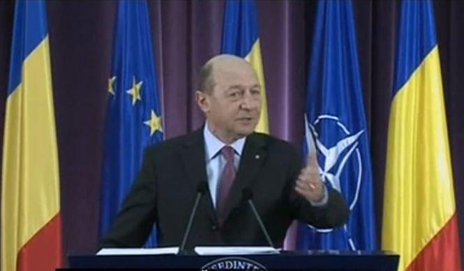 Băsescu: Sunt penibili cei care vorbesc despre o nouă suspendare. Să citească Constituția
