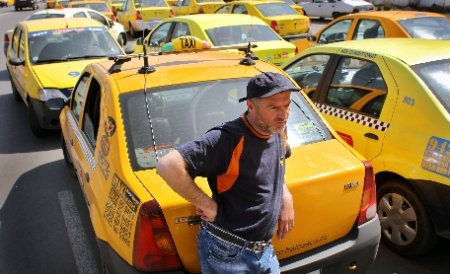 Fenechiu, luat la rost de taximetriştii de la Otopeni pentru mutarea staţiei de taxiuri