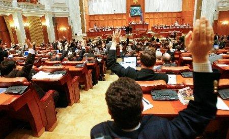 Traian Băsescu NU a promulgat Statutul parlamentarilor. Proiectul a fost retrimis în Parlament