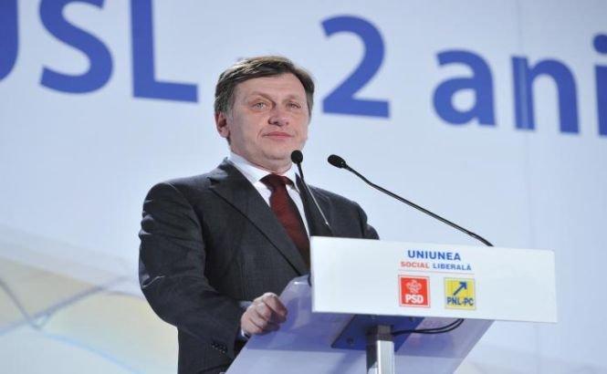 Antonescu, despre Băsescu: De unde are un penal cu flotă credibilitate?