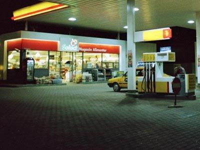 Cei care vor merge să îşi alimenteze maşina vor avea o surpriză la benzinării