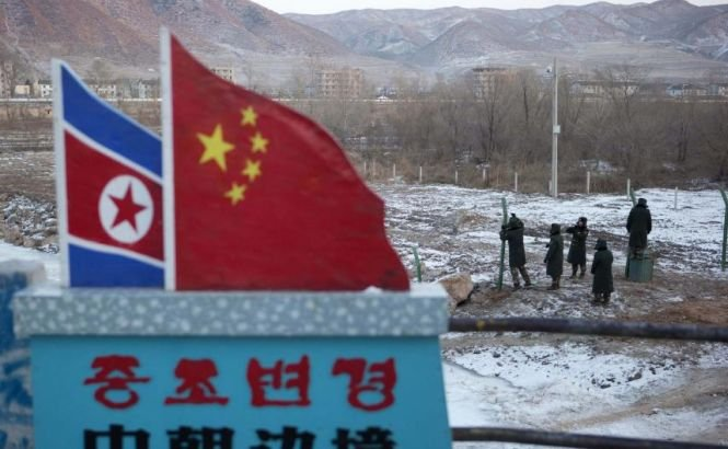 """""""Coreea de Nord va plăti un preţ ridicat dacă nu se abţine de la un al treilea test nuclear"""". Avertismentul oficial vine din partea Chinei"""
