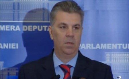 Valeriu Zgonea i-a tăiat microfonul liderului PPDD: Vreţi să transformaţi Parlamentul în OTV!