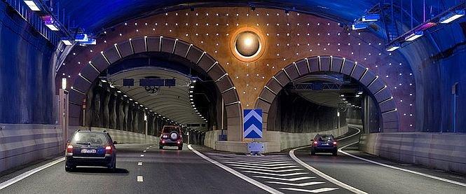 Au ajuns să plătească 125 de MILIOANE de euro pentru un km de autostradă. Cum au motivat autorităţile suma colosală