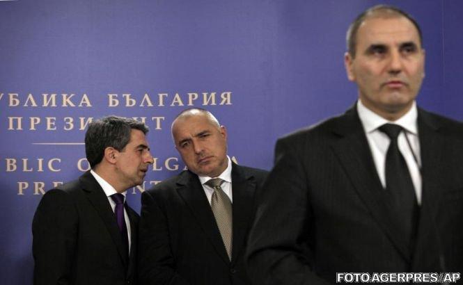 Suspecţii atentatului de la Burgas au fugit în România, susţine ministrul bulgar de Interne