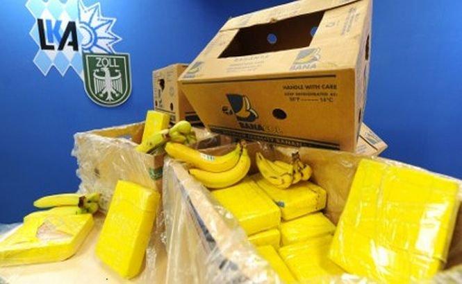 Zeci de kilograme de cocaină au fost găsite printre banane