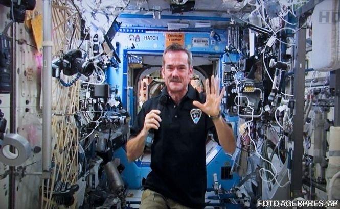 Află cum poţi vorbi cu astronauţii americani de pe Staţia Spaţială Internaţională