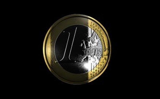 Leul a crescut faţă de euro şi a scăzut comparativ cu dolarul. Vezi cursul BNR