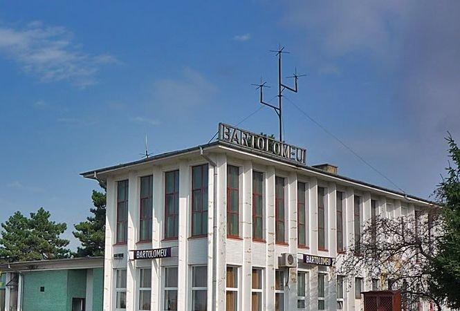 Braşov. Bărbatul care a înjunghiat o adolescentă în gara Bartolomeu a fost prins de poliţişti
