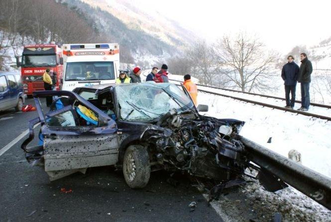 Valea Oltului. Traficul rutier a fost reluat după o oră şi jumătate de la producerea unui accident