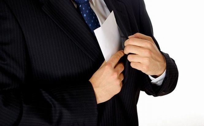 Angajaţi din ministerul Muncii, urmăriţi penal. Directorul de cabinet al ministrului a demisionat