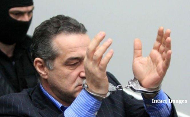 George Becali, condamnat la 3 ani de ÎNCHISOARE cu suspendare