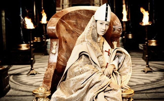 Papesa Ioana, între legendă şi adevăr istoric. Incredibila poveste a singurei femei care ar fi ajuns Papă