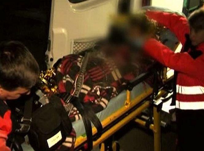 Un copil de 12 ani se zbate între viaţă şi moarte, după ce a căzut de la 10 metri. Se dădea pe balustrada din scara blocului