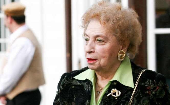 Paula Iacob, transportată de urgenţă la spital