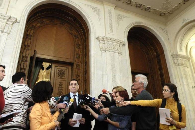 Ponta atenţionează: Parlamentarii îşi pierd mandatul dacă nu atacă, în 45 zile, decizia ANI privind incompatibilitatea