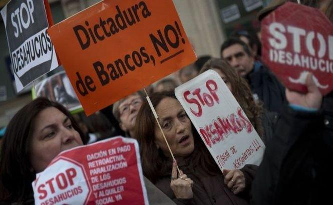 Un cuplu de pensionari spanioli s-a sinucis din cauza datoriilor. Parlamentul iberic încearcă să flexibilizeze legea privind evacuarea familiilor aflate în colaps financiar