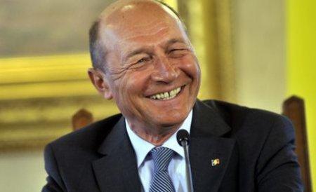 Băsescu: Mă rog la Dumnezeu ca premierul să cheltuiască banii pe care eu i-am adus