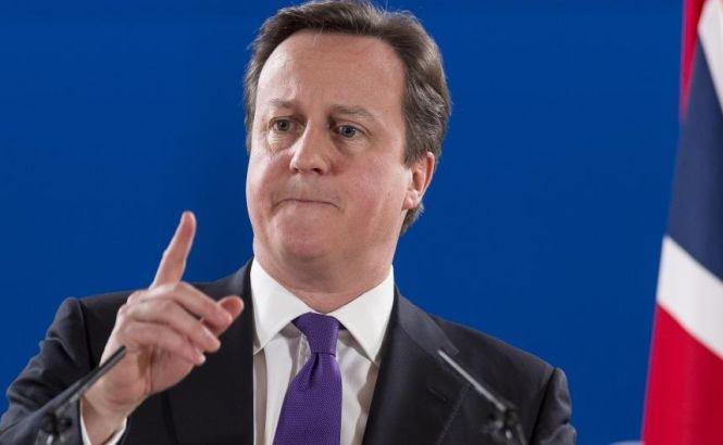 Cum se foloseşte David Cameron de problema imigranţilor români şi bulgari pentru a câştiga capital politic. Declaraţii dure ale premierului britanic