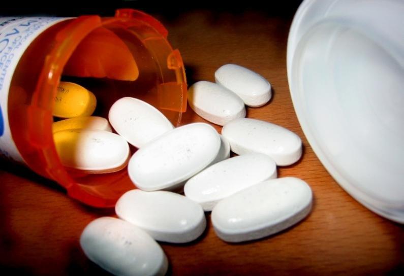 """Medicamentul pe care îl iei atunci când te doare capul ţi-ar putea aduce moartea. Specialişti: """"Creşte riscul apariţiei bolilor vasculare"""""""