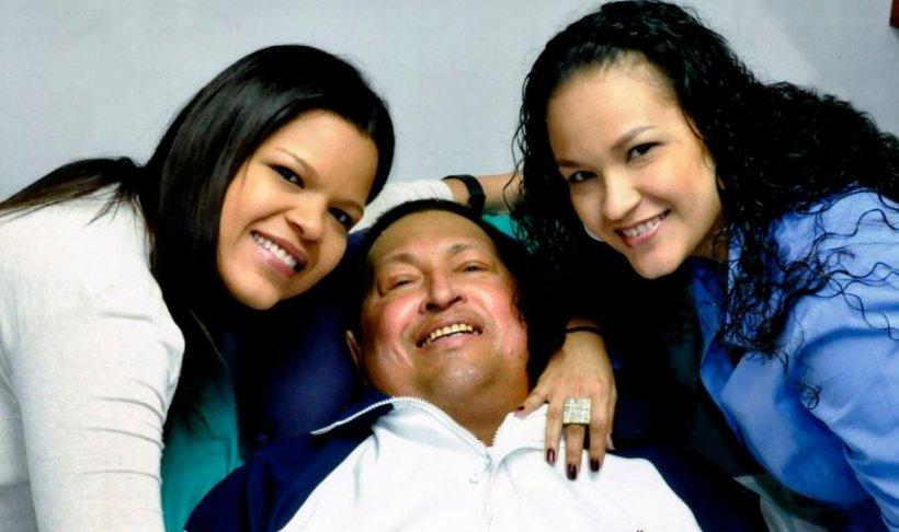 PRIMELE IMAGINI cu Hugo Chavez pe patul de spital