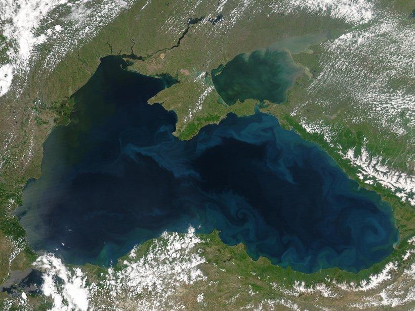 Resursele Mării Negre, luate la ochi de o companie olandeză. Sterling ar putea fi scoasă din joc
