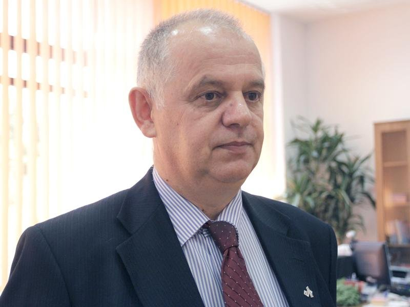 Decanul Facultăţii de Ştiinţe Economice de la Univ. Babeş-Bolyai a încercat să se sinucidă