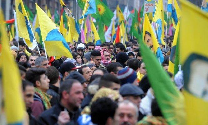 Zeci de mii de kurzi au defilat la Strasbourg, pentru a cere eliberarea liderului PKK, Abdullah Ocalan