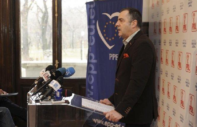 Cezar Preda: PDL va cere Parlamentului o poziţie oficială faţă de arborarea steagului secuiesc pe clădirea Parlamentului Ungariei