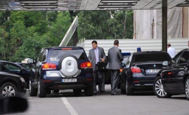 Senat: Interzis la maşini mai scumpe de 18.000 de euro pentru autorităţi şi instituţiile publice