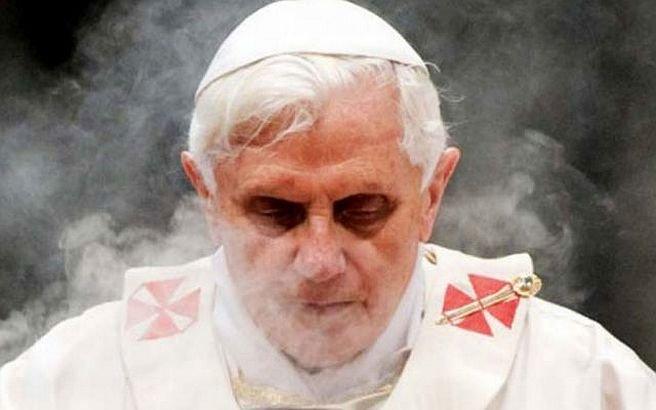"""""""Papa Benedict se simte din ce în ce mai rău"""". Suveranul Pontif şi-a luat o săptămână de concediu"""