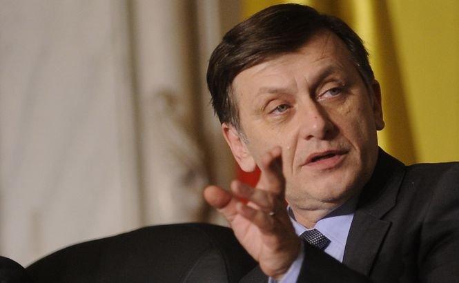 Antonescu, despre posibilitatea includerii lui Iohannis în conducerea PNL: Nu aş vrea să ratăm ocazia