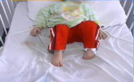 """Scandalul copiilor legaţi de paturi: Directorul medical al Spitalului din Buzău a demisionat, acuzând sancţiuni """"prea dure"""""""