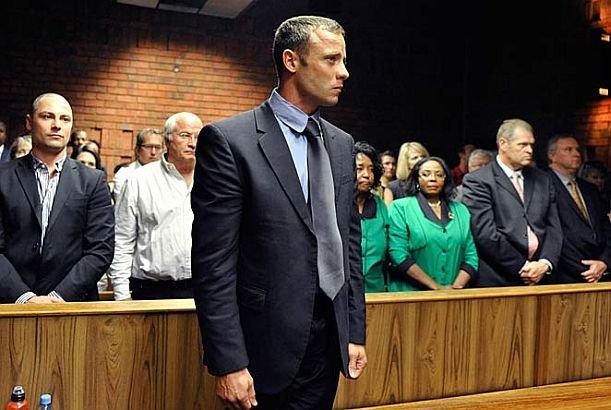 Ce s-a întâmplat ieri în curtea de judecată în care era anchetat cazul lui Pistorius. Procurorul a încremenit când a fost întrebat asta